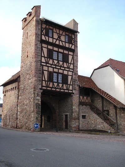 La porte de thann a cernay route des vins d alsace guide du tourisme de l alsace