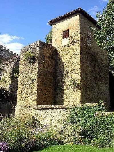 La tour des vieux remparts de mont de marsan routes touristiques des landes guide du tourisme de la nouvelle aquitaine