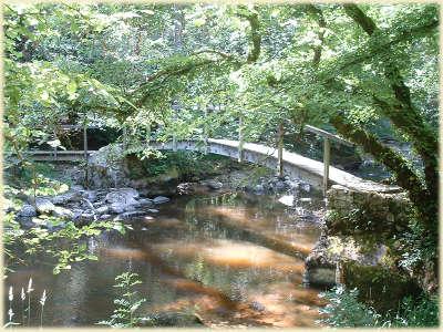 La vallee cousin le pont des gard parc naturel regional du morvan guide touristique de la bourgogne