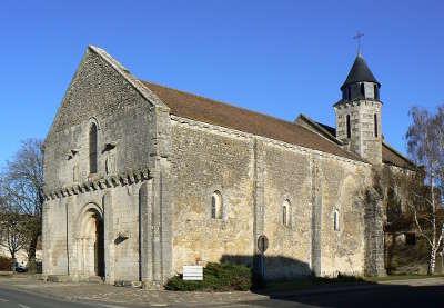 La villedieu du clain l eglise route des abbayes et monuments du haut poitou guide du tourisme de la vienne