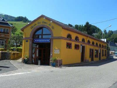 Lapoutroie musee des eaux de vie guide du tourisme du haut rhin alsace