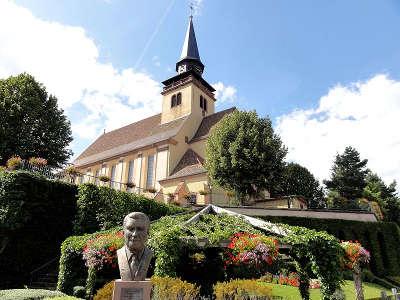 Lauterbourg eglise de la sainte trinite route du rhin guide touristique du bas rhin alsace