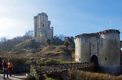 Lavardin le chateau route des vins du val de loire la vallee du loir guide du tourisme de loir et cher