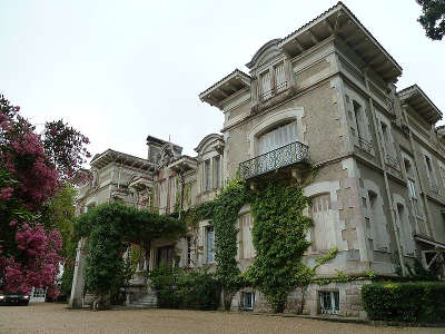 Le chateau d arcangues route des seigneurs du bearn et du pays basque guide du tourisme des landes aquitaine