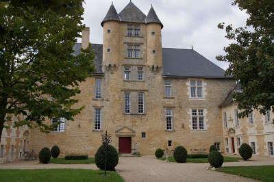 Le chateau d avanton route des abbayes et monuments du haut poitou guide du tourisme de la vienne