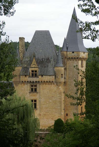 Le chateau de clerans a saint leon sur vezere l un des plus beaux villages de france routes touristiques de la dordogne guide touristique de nouvelle aquitaine