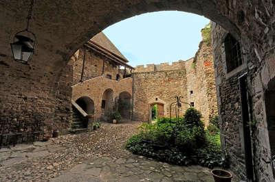 Le chateau de lespinasse route historique des chateau d auvergne guide du tourisme du haute loire