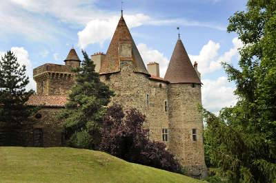 Le chateau de lespinasse route historique des chateau d auvergne guide touristique du haute loire