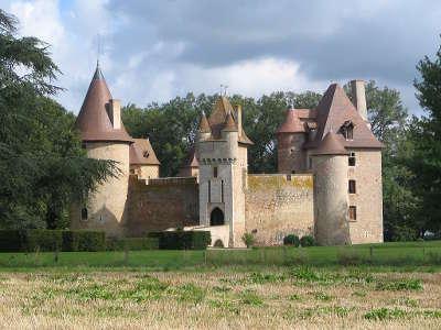 Le chateau de thoury route historique des chateaux d auvergne guide du tourisme de l allier