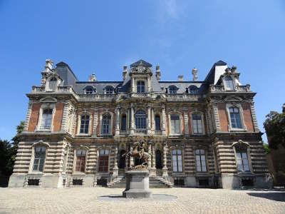 Le chateau perrier vu de l avenue de champagne epernay route touristique du champagne cote des bar