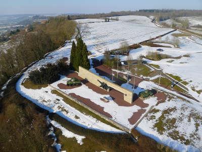 Le memorial de montormel a coudehard routes touristiques de l orne guide du tourisme normandie