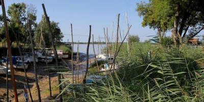 Le port de roque de thau route de la corniche fleurie guide du tourisme de gironde aquitaine