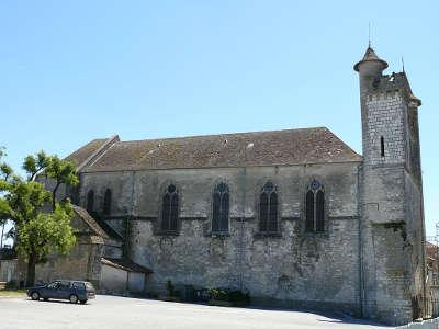 Monflanquin eglise saint andre plus beaux villages de france routes touristiques lot et garonne guide du tourisme nouvelle aquitaine