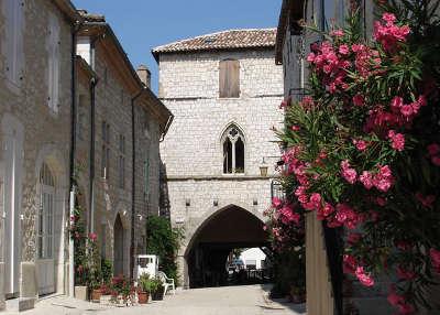 Monflanquin plus beaux villages de france routes touristiques lot et garonne guide du tourisme nouvelle aquitaine
