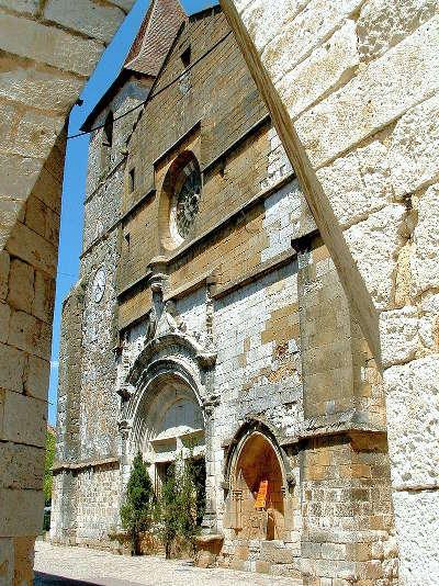 Monpazier eglise saint dominique l un des plus beaux villages de france les routes touristiques de la dordogne guide touristique de nouvelle aquitaine