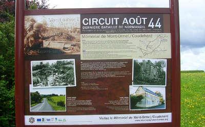 Mont ormel panneau circuit aout 44 routes touristiques de l orne guide du tourisme normandie