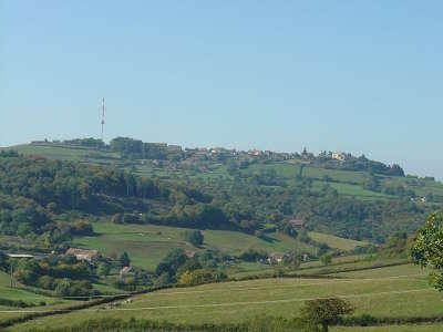 Mont saint vincent village perche routes touristiques en saone et loire guide du tourisme en bourgogne