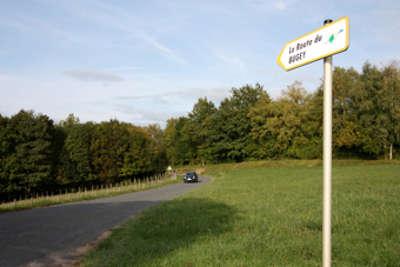Panneaux sur la route du bugey guide touristique de l ain