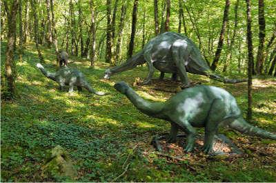 Parc prehistorique du conquil route touristique sur les pas du cro magnon guide du tourisme dordogne