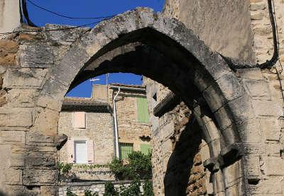 Porte du puy barret a visan route des vins de l enclave des papes guide du tourisme du vaucluse