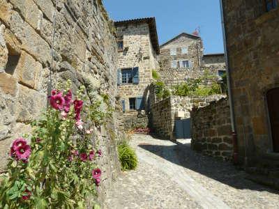 Pradelles les plus beaux villages de france routes touristiques de haute loire guide touristique auvergne