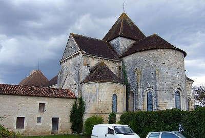 Prieure de villesalem journet route des abbayes et monuments du haut poitou guide du tourisme de la vienne