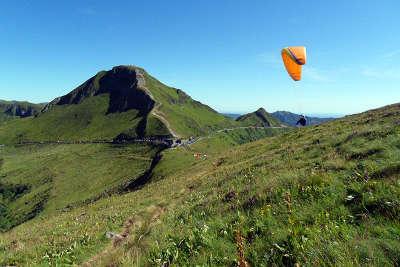 Puy mary routes touristiques du cantal guide touristique auvergne