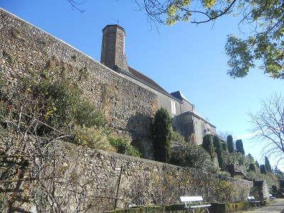 Remparts medievaux de la ville haute de lescar route des seigneurs du bearn et du pays basque guide du tourisme des pyrenees atlantiques aquitaine