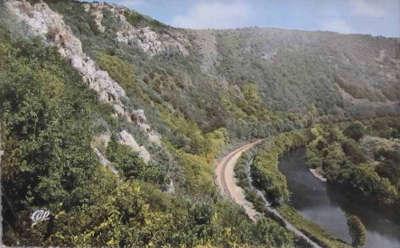 Rochers de la houle vallee de l orne route touristique suisse normande guide touristique du calvados