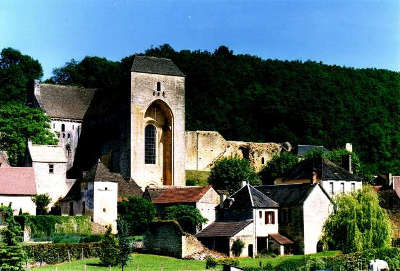 Saint amand de coly abbaye de st amand de coly routes touristiques de dordogne guide du tourisme en nouvelle aquitaine copie