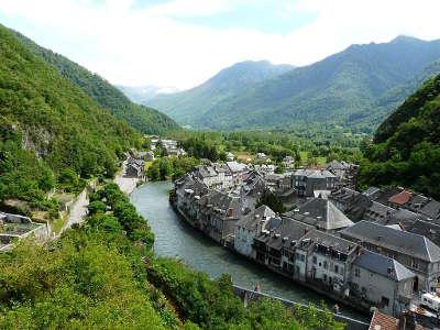 Saint beat et la garonne route des cols des pyrenees guide du tourisme de la haute garonne