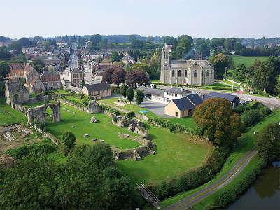 Saint evroult notre dame du bois abbaye route au fil de la risle et de l iton routes touristiques de l orne guide du tourisme normandie