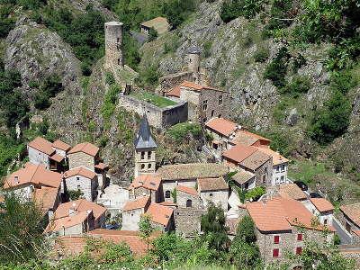 Saint floret plus beaux villages de france routes touristiques du puy de dome guide touristique auvergne
