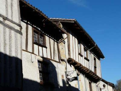 Saint jean de cole maisons a colombages l un des plus beaux villages de france les routes touristiques de la dordogne guide touristique de nouvelle aquitaine