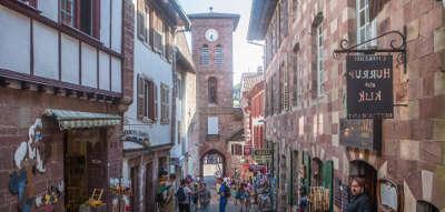Saint jean pied de port plus beaux villages de france routes touristiques des pyrenees atlantiques guide du tourisme nouvelle aquitaine