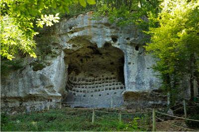 Saint leon sur vezere l un des plus beaux villages de france routes touristiques de la dordogne guide touristique de nouvelle aquitaine