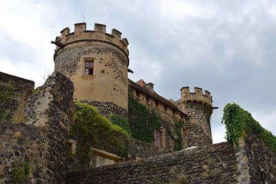 Saint saturnin le chateau plus beaux villages de france routes touristiques du puy de dome guide touristique auvergne