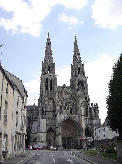 Sees cathedrale notre dame route au coeur de l histoire routes touristiques de l orne guide du tourisme normandie