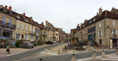 Souvigny route sur les traces des bourbons dans l allier les routes touristiques de l allier guide touristique auvergne