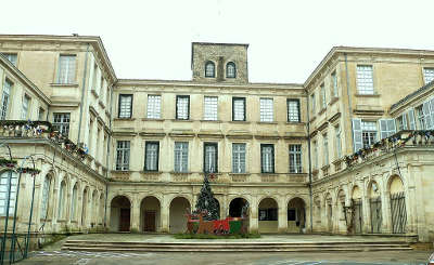 Valreas chateau de simiane route des vins de l enclave des papes guide du tourisme du vaucluse