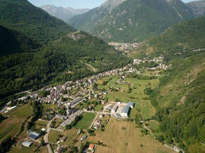 Vicdessos route des cols des pyrenees guide touristique de l ariege