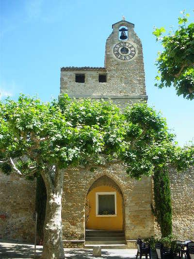 Villedieu le beffroi route des vins d orange a vaison la romaine