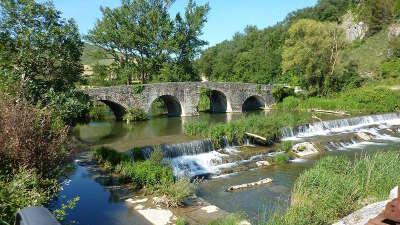 Zubiri la route de la navarre mythique les routes touristiques pyrenees atlantiques guide du tourisme nouvelle aquitaine