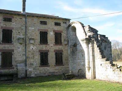Abbaye cistercienne de morimond routes touristiques dans la haute marne guide du tourisme grand est