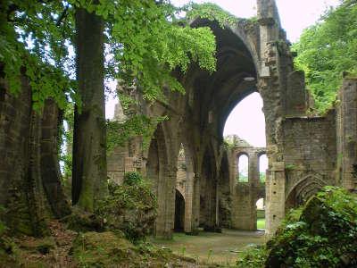 Abbaye cistercienne de trois fontaines routes touristiques dans la haute marne guide du tourisme grand est