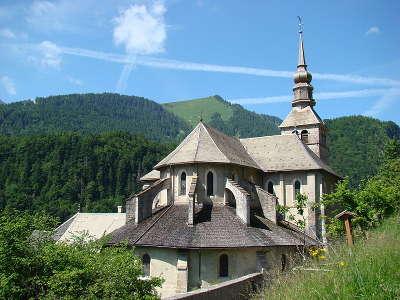Abbaye notre dame d abondance le chevet routes touristiques de haute savoie guide du tourisme de rhone alpes