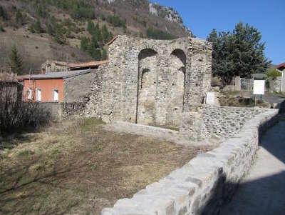 Abbaye saint jacques de joucou routes touristique de aude guide du tourisme du languedoc roussillon