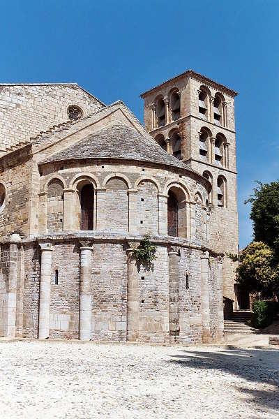 Abbaye saint pierre saint paul de caunes minervois routes touristique de aude guide du tourisme du languedoc roussillon