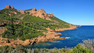 Agay vue du cap roux a l est d agay routes touristiques du var guide du tourisme de la provence alpes cote d azur