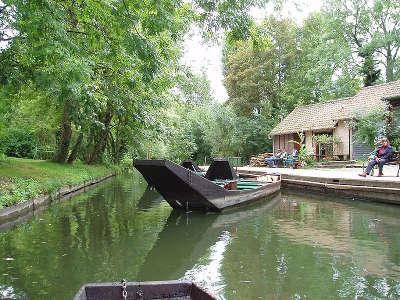Amiens ville d art et d histoire barque routes touristique de la sommes guide touristique de picardie